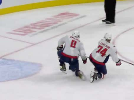 Alex Ovechkin makes a save with his knee in front of an empty net to preserve the Caps +1.5 PL