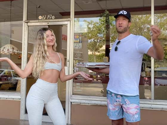 Barstool Pizza Review - Sir Pizza (Key Biscayne, FL) with Special Guest Casi Davis