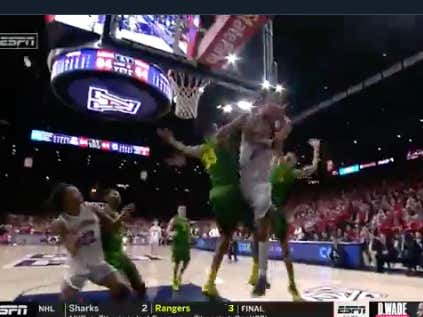 Oregon fouled  UA with 2 seconds to play and Arizona missed both free throws to head to OT @betthehoops