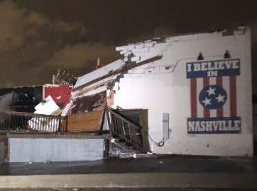"""""""I Believe In Nashville"""": Mural Becomes Sign Of Hope After City & Surrounding Areas Are Ravaged By Tornadoes Overnight"""
