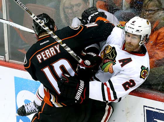 TBT To Biggest War Of A Series During The Dynasty: Blackhawks vs Ducks