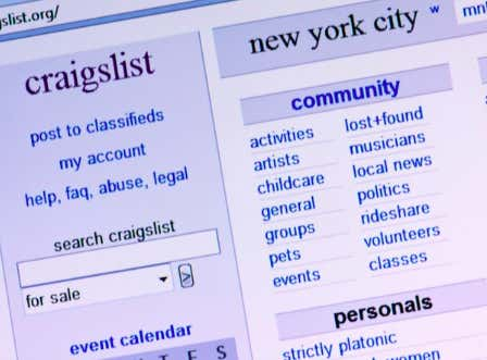 """People In New York Are Now Using Craigslist To Get Laid And They're Calling It """"Quarantine And Chill"""""""