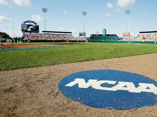 Top 5 College Baseball Series to Watch this Week