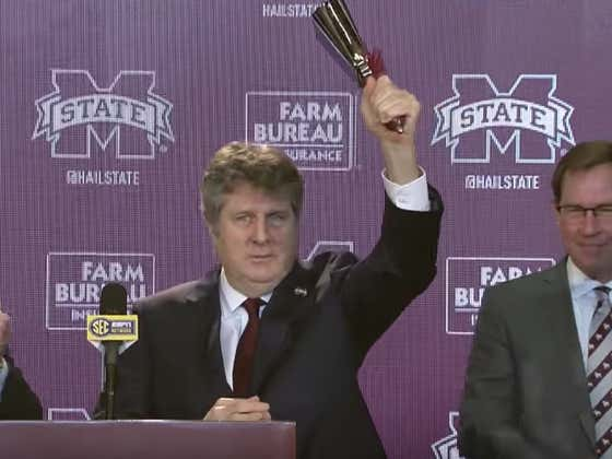 Mississippi State Will Take Mike Leach On 2 History Museum Tours As Punishment For A Meme He Tweeted Out