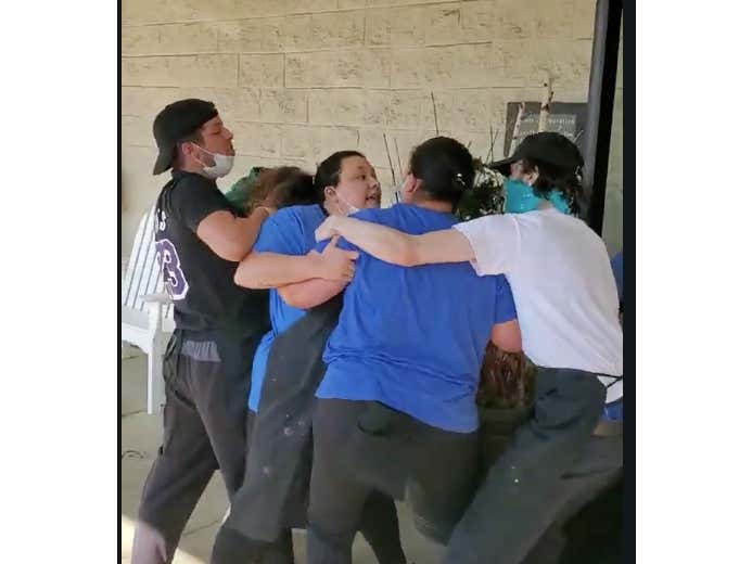 Even In A Pandemic We Have A Mother's Day Brawl At Red Lobster Because Karen Couldn't Wait For Cheddar Biscuits