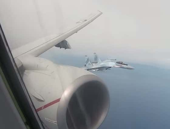 Video: Russia Being Sky-Assholes Again