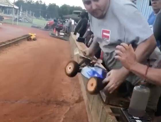 Nobody Is Better At Their Job Than This RC Racing Pit Crew
