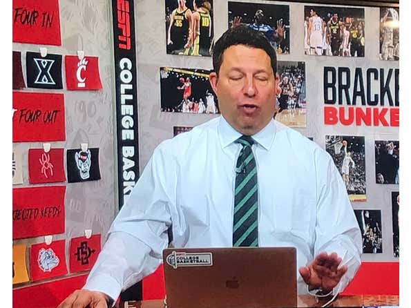 People Getting Mad At Where Joe Lunardi Has Their Team For His 2021 Bracketology In June Is Why College Hoops Is The Best