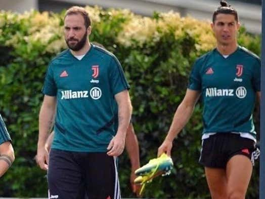 Gonzalo Higuain Learns The Hard Way That You Should Never Take A Post-Quarantine Photo Next To Ronaldo