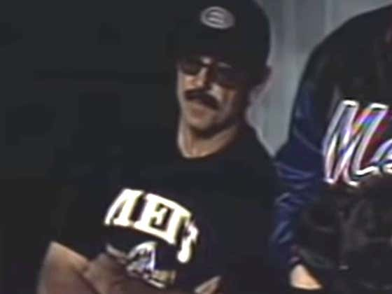 On This Day In 1999 Mets Manager Bobby Valentine Pulled Off A Classic Dave Portnoy-Style Disguise After Ejection