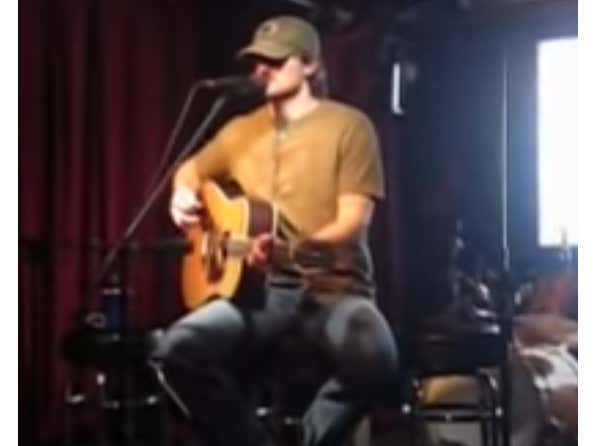 Weekly Wake Up With Eric Church: Guys Like Me (Acoustic At A Bar In 2008)
