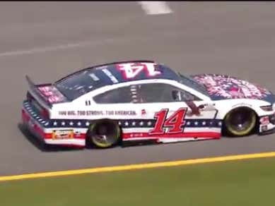 Clint Bowyer's Barstool Car Looks Spectacular On The Track At Talladega