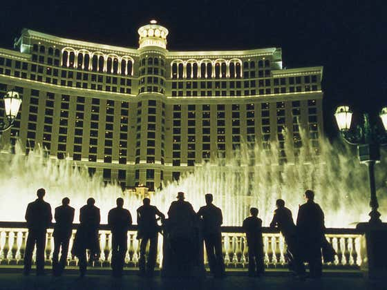 The Bellagio Fountains Scene From Ocean's 11 In Honor Of Carl Reiner, Who Passed Away Monday