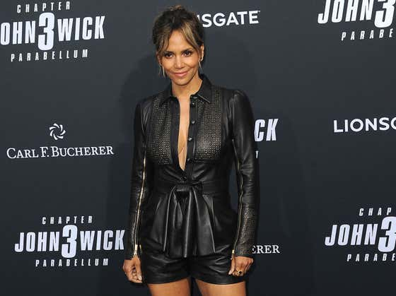 Halle Berry Publicly Apologizes For Considering (Not Playing) The Role Of A Transgender Man In An Upcoming Film