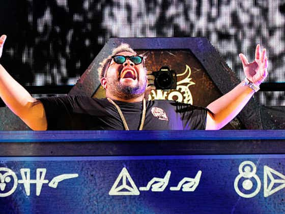 DJ Carnage Enters The Warzone With The HooliganZ