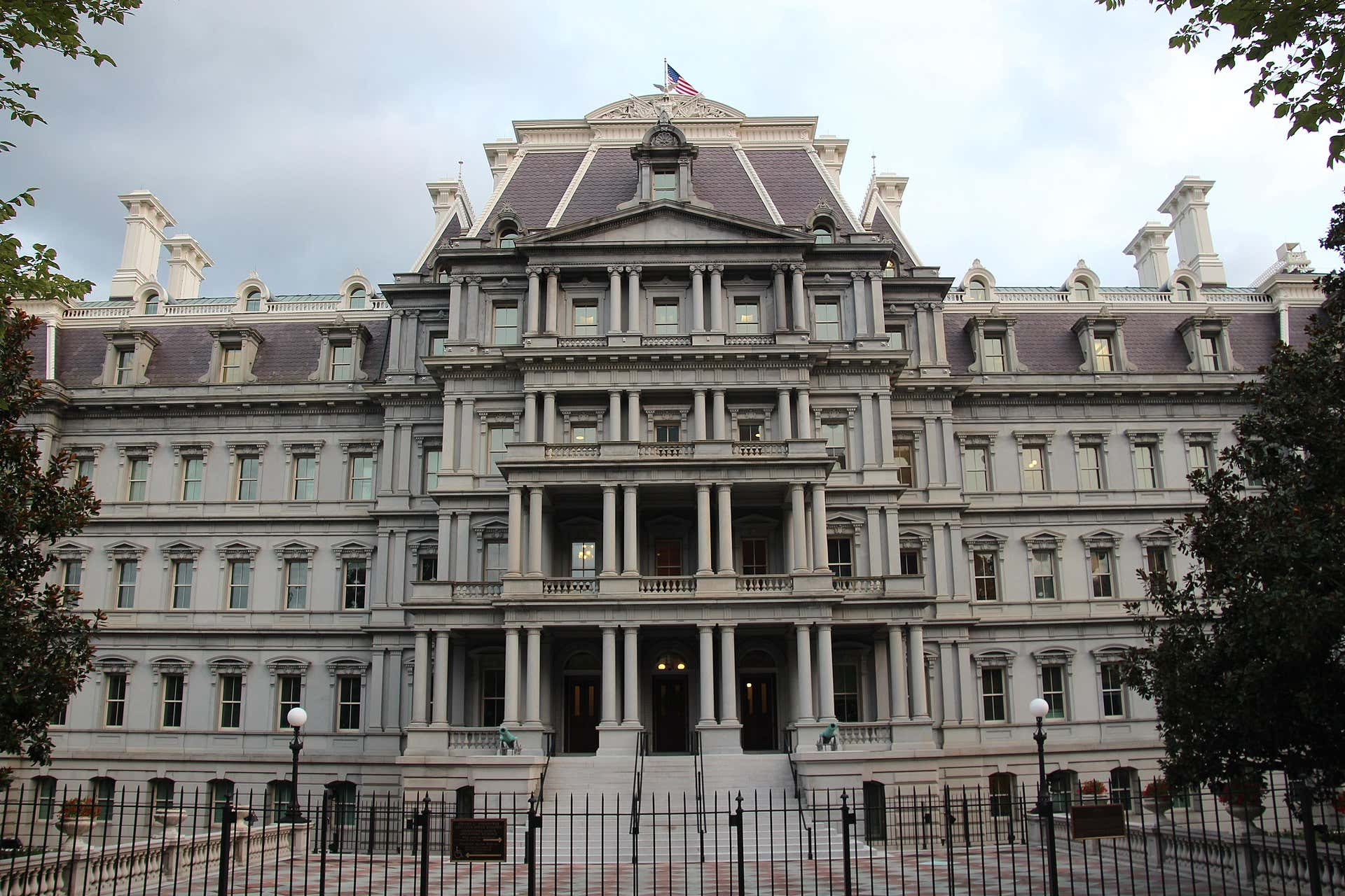 1920px-Dwight_Eisenhower_Executive_Office_Building.jpg