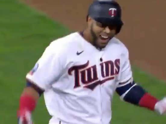Nelson Cruz walks it off for the Twins (-215 ML)