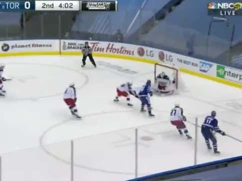 Auston Mathews with a goal in the second period to give the Maple Leafs (-150) a 1-0 lead