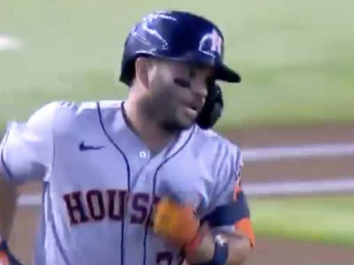 Jose Altuve goes yard to get the Astros (-135 ML) out to an early 1-0 lead over the Dbacks  @betthebases