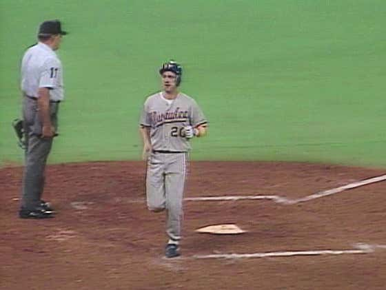 On This Date in Sports August 28, 1992: Singles Parade