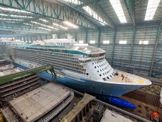 Watch This When You're High - How Are Cruise Ships Built?