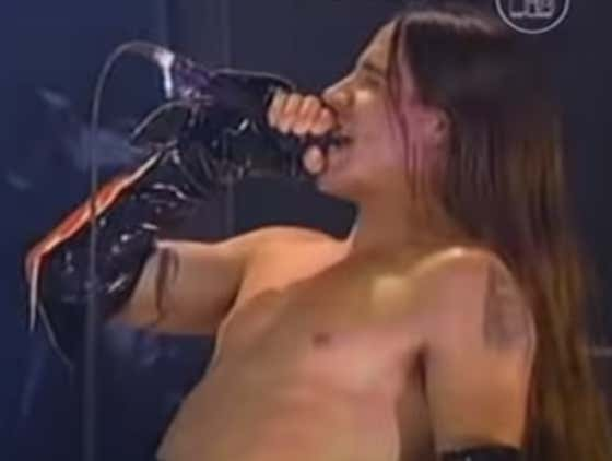Recommended: Red Hot Chili Peppers - Warped (Live At The VMAs 1995)