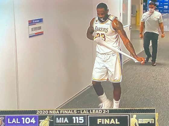 I Hope No Kids Were Watching When LeBron Walked Off The Court With 10 Seconds Left Last Night