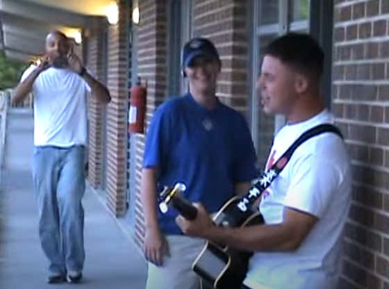 """Video: """"Pizza Lady, You Bring Love In Every Bite"""" - Marine Serenades Delivery Woman In Viral Barracks Classic"""