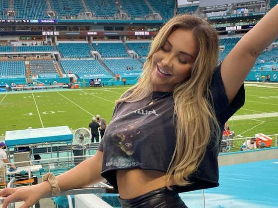 Who Knew Bengals/Dolphins Would Be The Most Entertaining Game Of The Week AND The Perfect Spot For An IG Model Shoot?