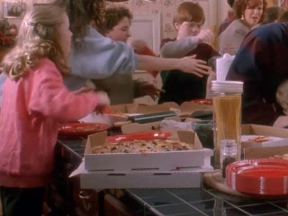 It Drives Me Bat Shit Crazy That They Dupe Us With Pie Cut Pizza In Home Alone
