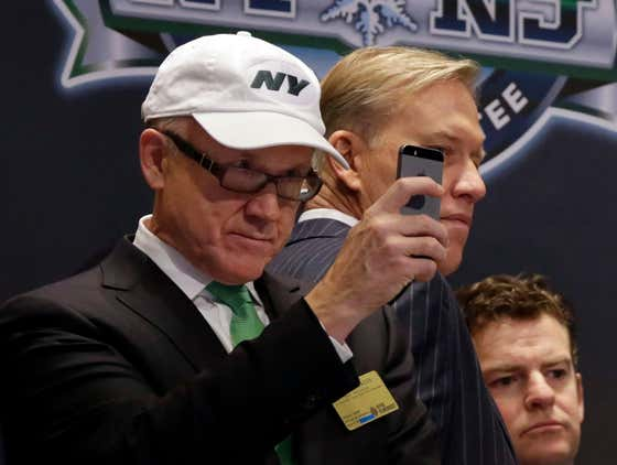 Woody Johnson Had A STRONG Response To Brandon Tierney Criticizing The Jets On Twitter