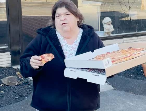 Uber Debbie Pizza Review - Frisco's Pizza (New Haven, CT)