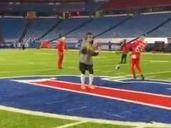 Mike Tomlin Claims He Hadn't Heard About JuJu's Dance on the Bills Logo