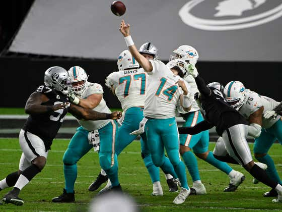 The Ending Of The Dolphins Raiders Game Was As Epic And Crazy As You Could Possibly Imagine