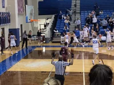 Even The Ref Had To Give That Man Props After The Dunk