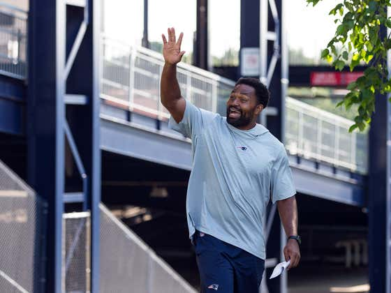 The Eagles Talked to Jerod Mayo About Their Head Coaching Job and if They're Smart, They'll Hire Him