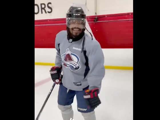 Imagine Marshawn Lynch As An NHL Superstar?