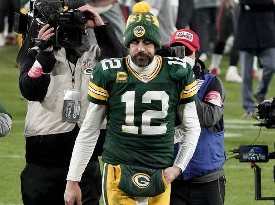 "Aaron Rodgers Reminds Us There Are No Absolutes But He Doesn't Think ""There's Any Reason Why"" He Wouldn't Be Back... Like Reason Has Anything To Do With It"