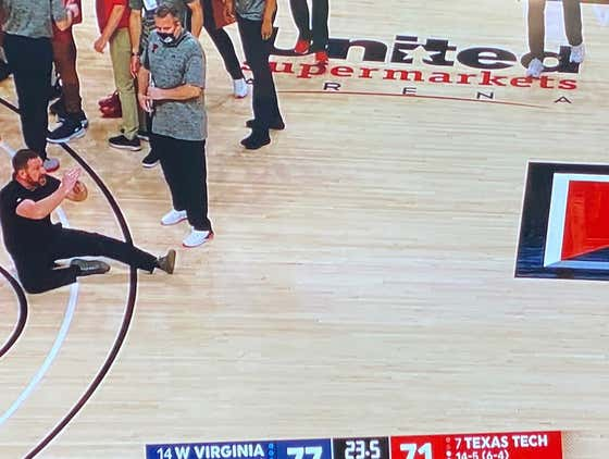 Chris Beard With An All-Time Ejection - Sat On The Court To Throw A Temper Tantrum, Fist Bumps Bob Huggins On His Way Out