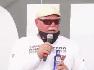Bruce Arians' Super Bowl Parade Speech Was The Perfect Mix Of Hype And Curses Before The News Station Cut Away From Him