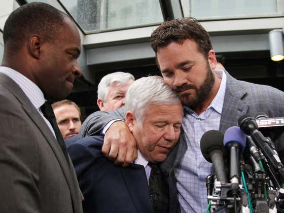 Jeff Saturday Tears Into Mr. Kraft for Taking 'a Shot' at Belichick's Drafting
