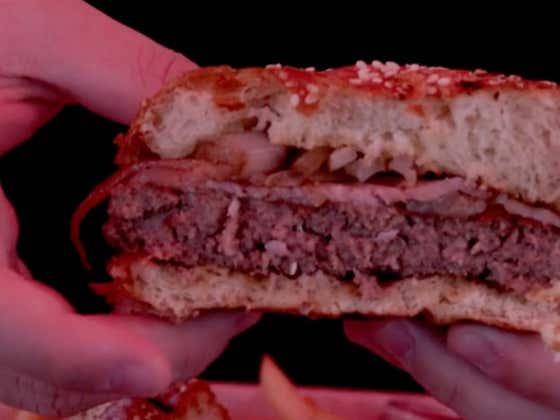 Irish Bacon & Cheeseburgers Go Together Like Peas & Carrots