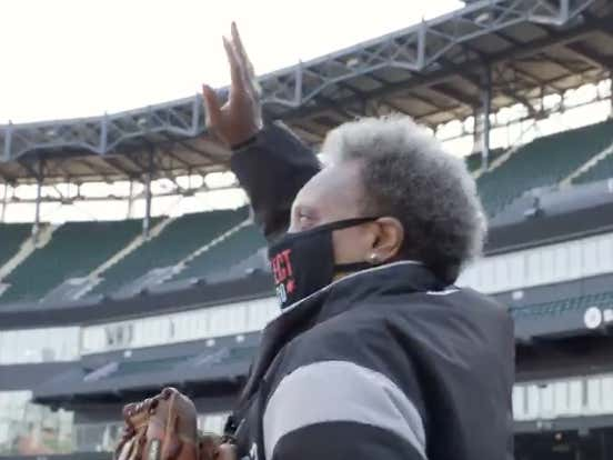 White Sox Fans Just Boo'd Pritzker And Lightfoot Into Oblivion