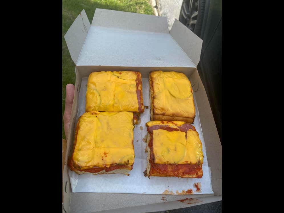 """There's A New Pizza Craze Sweeping The Nation And It's Called """"Altoona Style"""""""