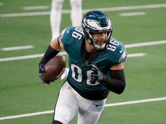It Looks Like Zach Ertz Will Be Returning To The Eagles For The Final Year Of His Contract..Wait, Why???