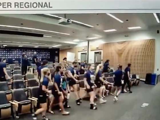 Washington's Softball Team Was So Pissed Off About Its Seed In The NCAA Tournament, They Straight Up Walked Out Of The Selection Show