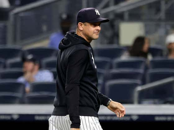 Aaron Boone Not Getting Ejected Last Night Further Shows He Should Not Be The Manager of the Yankees Moving Forward