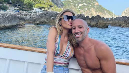 Toss a W up for the Short Kings Out There, Chrishell Stause From Selling Sunset Is Now Dating One of Her Bosses Jason Oppenheim