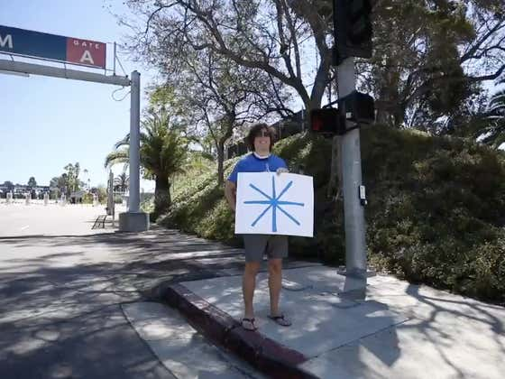 This Dodgers Fan Flew From Georgia To Wait Outside Dodgers Stadium So He Could Greet The Astros Team Bus With An Asterisk On A Sign