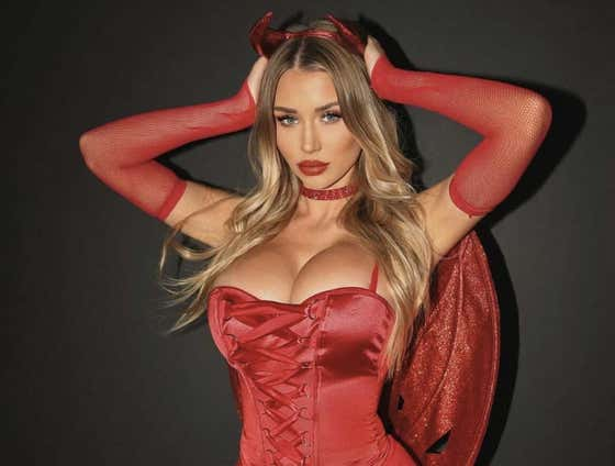 Cheaters Ruined The Barstool Smokeshows Halloween Contest For Everyone. Here Are Hot Girls In Costumes Anyway